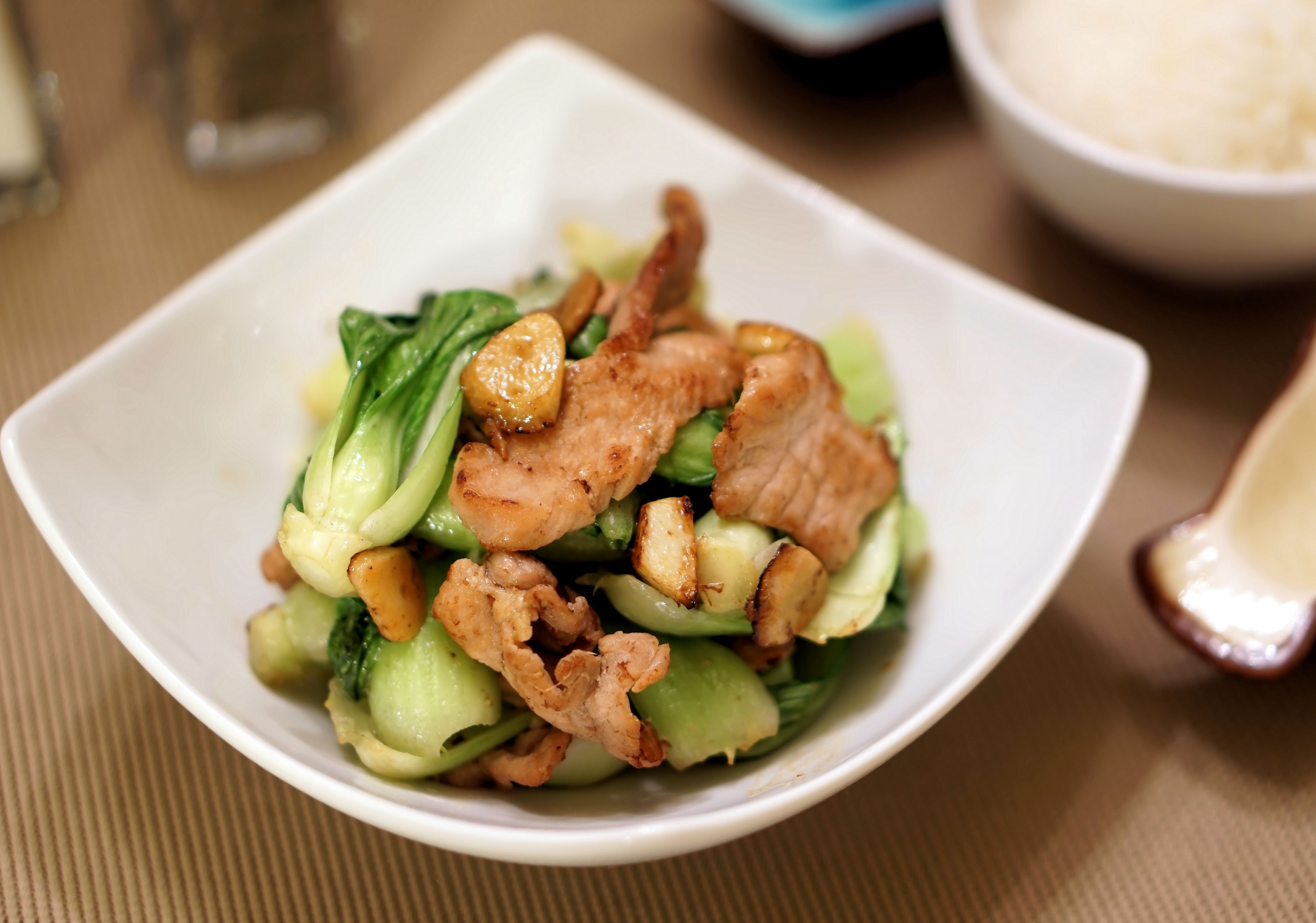 stirfry bok choy with garlic and pork
